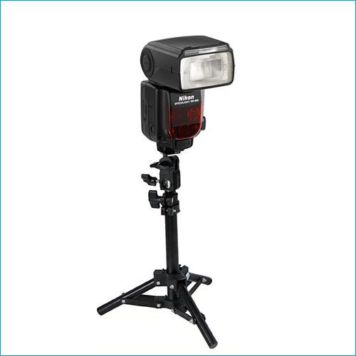Nikon SB900 on a stand.